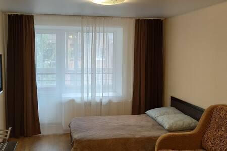 Квартира рядом с Кардиоцентром (ул.Матросова 3)
