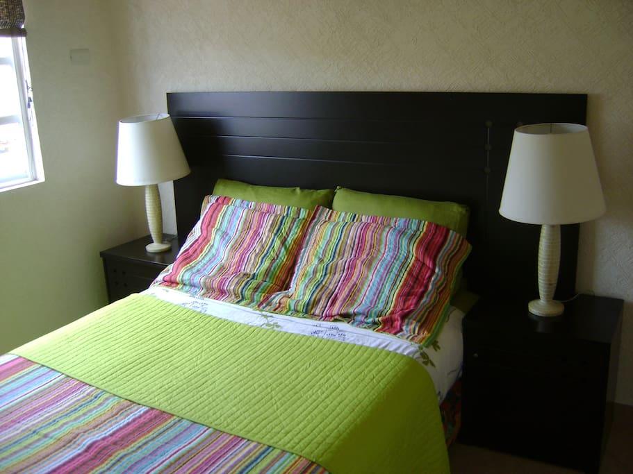 3er Recamara, una cama matrimonial