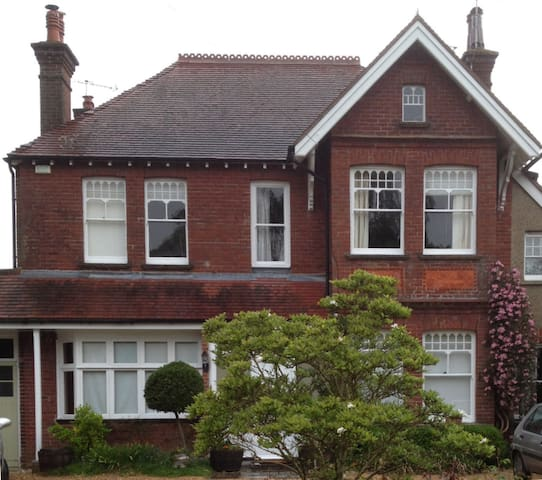 Edwardian House B&B - Chichester - Bed & Breakfast