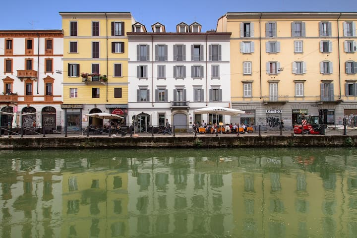 Wonderful duplex on Navigli Canal