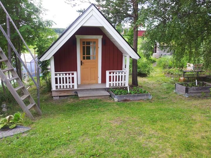 Lantlig liten stuga/ Rural small cottage