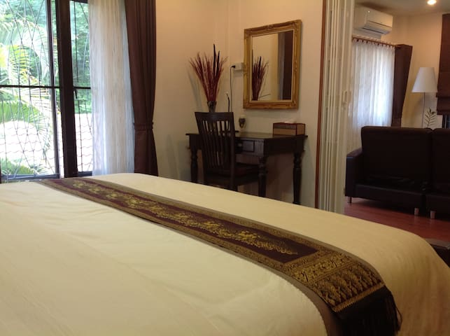 Two nice rooms, living and bedroom - Muang - House