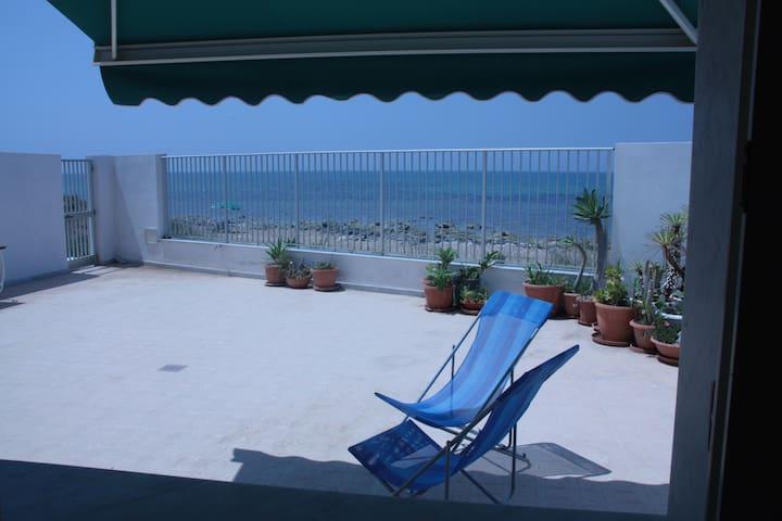 veranda sul mare
