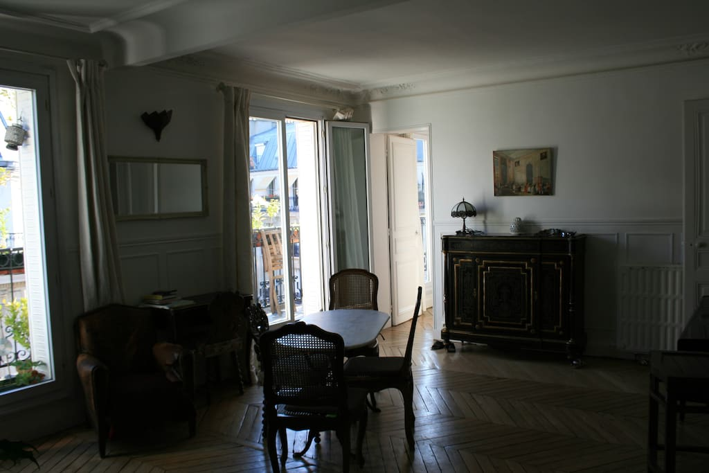 Airbnb Double Room At The Foot Of The Sacre Coeur