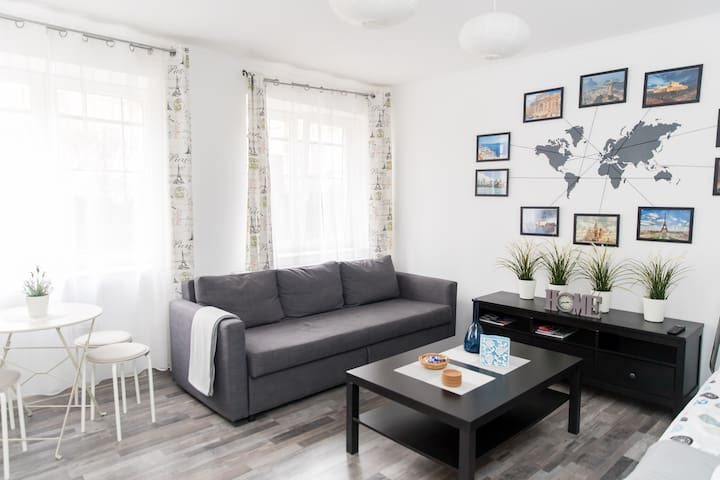 Studio in the City Center with FREE BREAKFAST