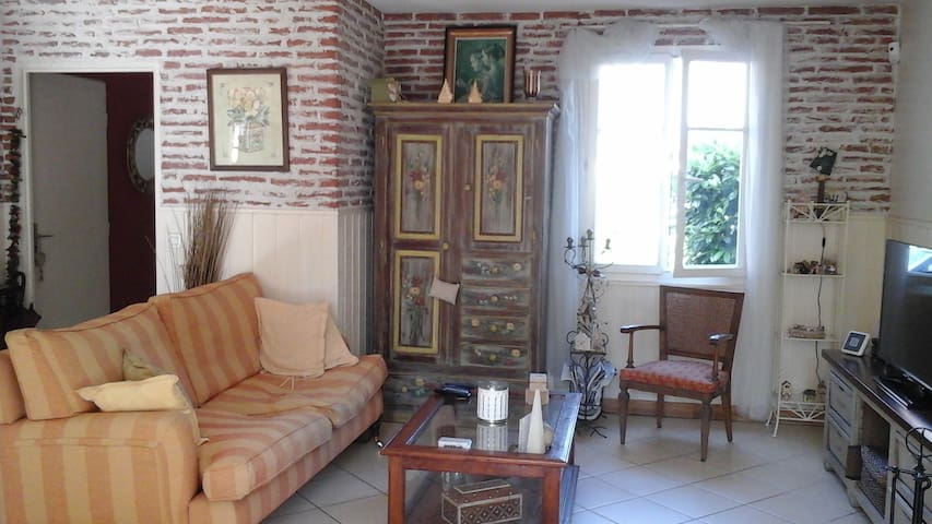 Maison de charme avec jardin - La Queue-en-Brie - Rumah