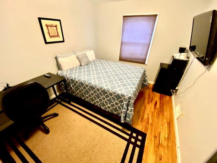 Comfy Room #2 Excellent Location! Close to NYC/EWR