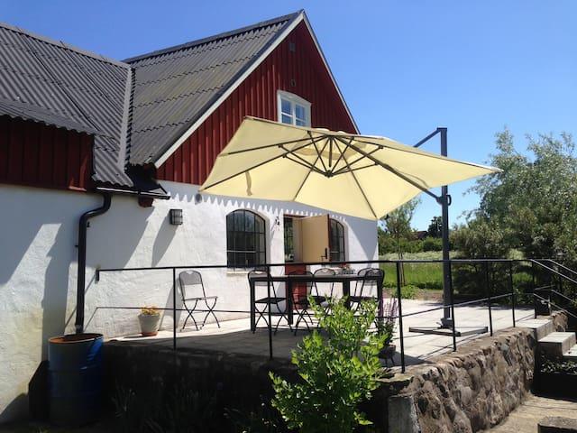 Lägenhet i fyrlängad gård, Österlen - Simrishamn N
