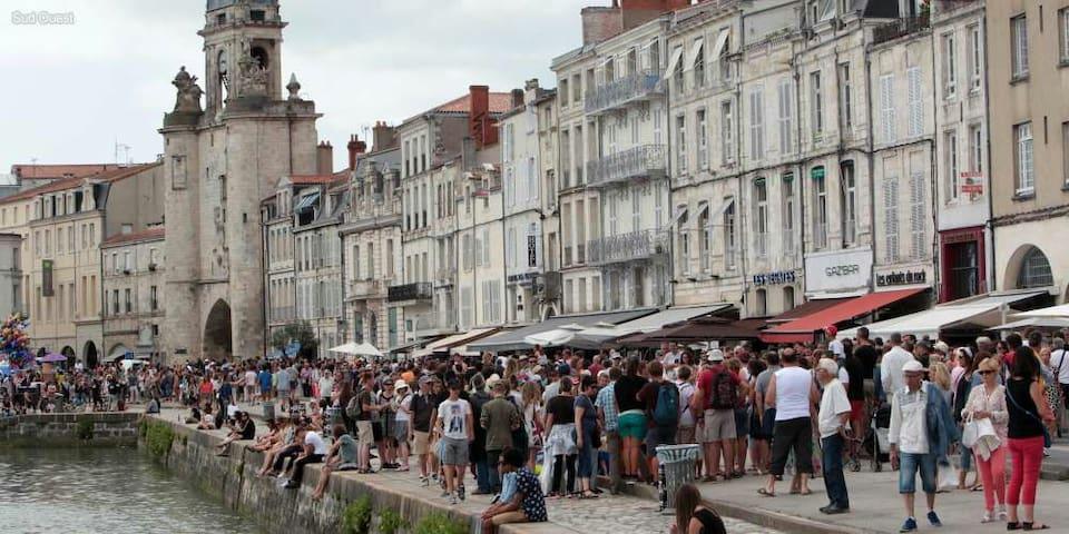 T2 de 60m2 au cœur du centre ville - La Rochelle - Appartement