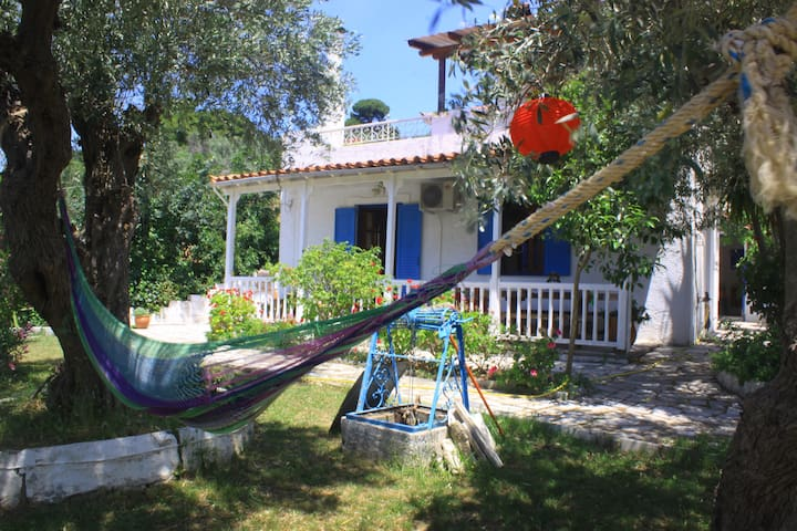 Private garden apartment - Skiathos - Apartment