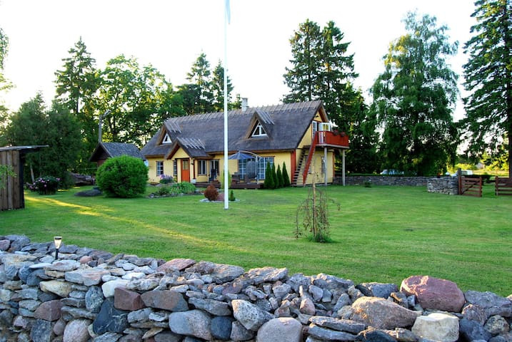 Beautiful place to stay in Saaremaa - Pihtla vald - Hus