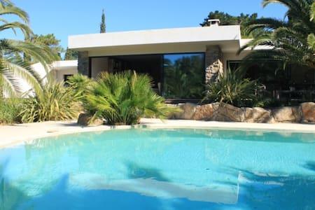 Villa Californienne - plage privée à pied - Grimaud - Haus