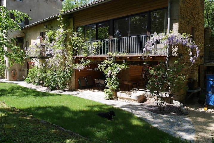 Lovely country cottage near Lyon city