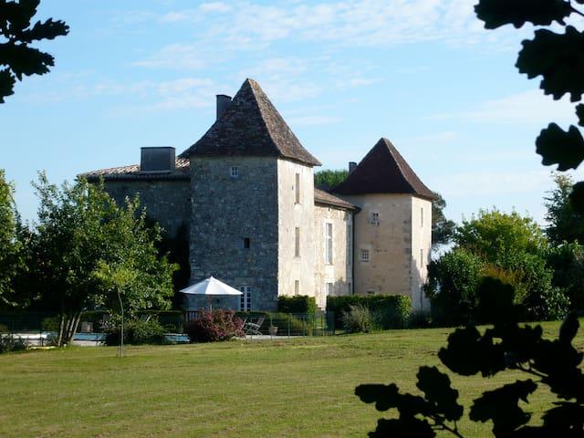 Manoir de Puymangou, Périgord, Aquitaine, France - Puymangou - Zamek