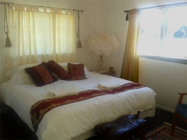 Hart Eco B&B. Homestay - Tauranga Taupo - Bed & Breakfast
