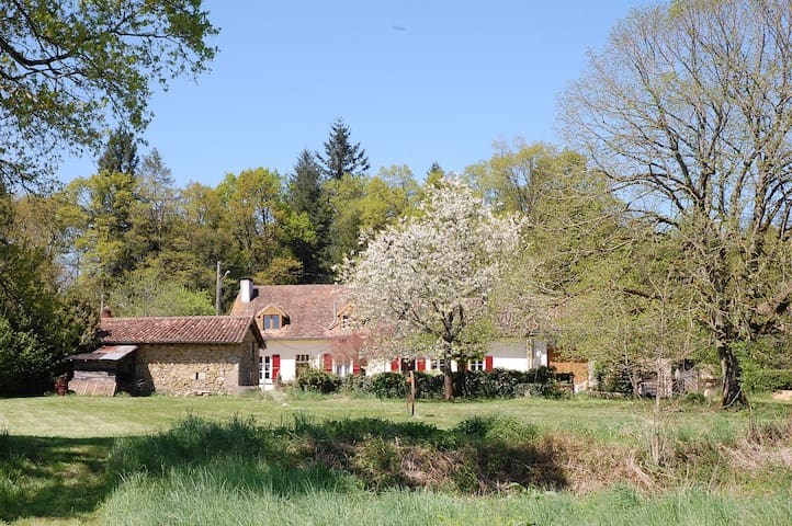 Neil's Farmhouse Gite - Saint-Mathieu - Huis