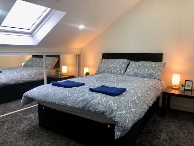 Spacious 1 Bed Apartment In The City Centre