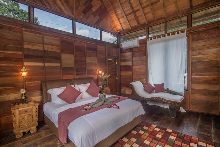 Little jungle and pool 2BR wooden villas at Ubud