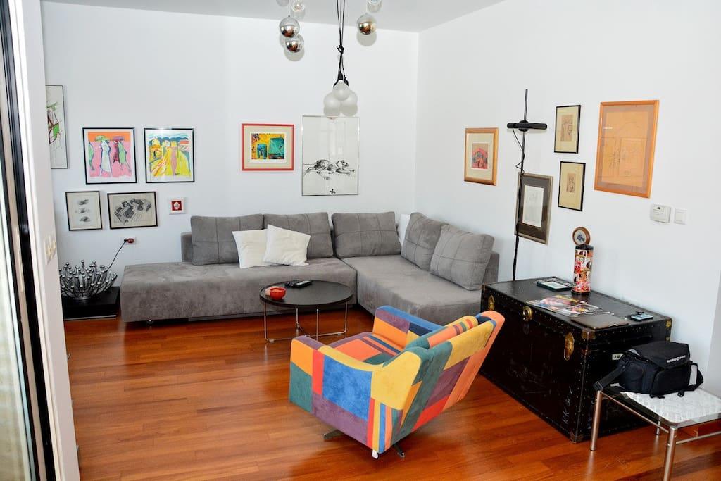 Living & TV room