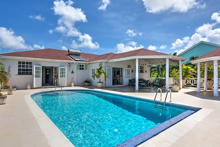 Bolli Heights Barbados Villa & Pool - Colleton
