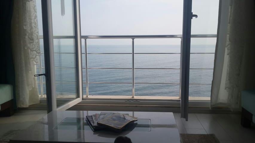 3+1 manzaralı lüks daire özel  plaj - Trabzon - Apartamento