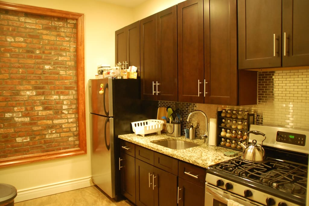 Access to a fully furnished, newly renovated kitchen
