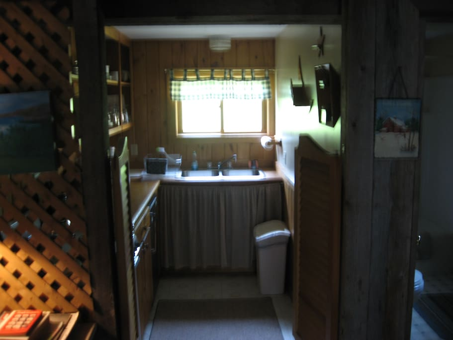 Kitchenette -- fully equipped - microwave, coffee maker, range, fridge, etc.