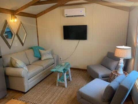 The Salty Seahorse - Cottage 1 (pet friendly)