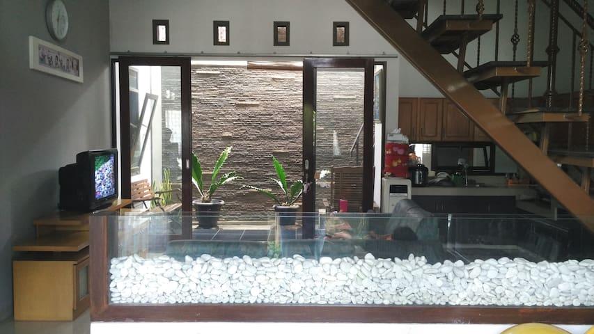 Radinka place - Cozy and Homy - Bandung - House