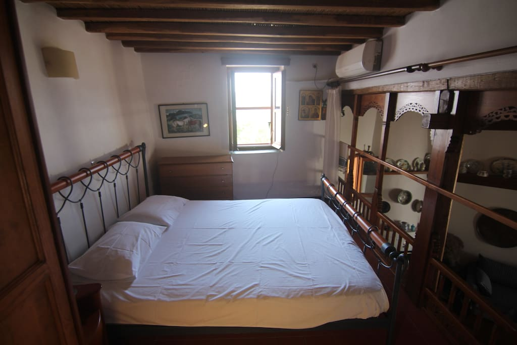 extra size double bed