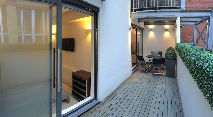 Can I Airbnb A Room In My Flat London