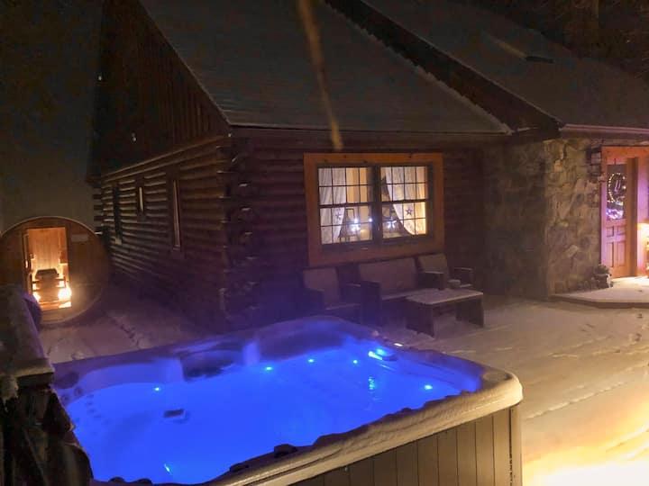 Garrison Log Cabin all season hot tub and sauna