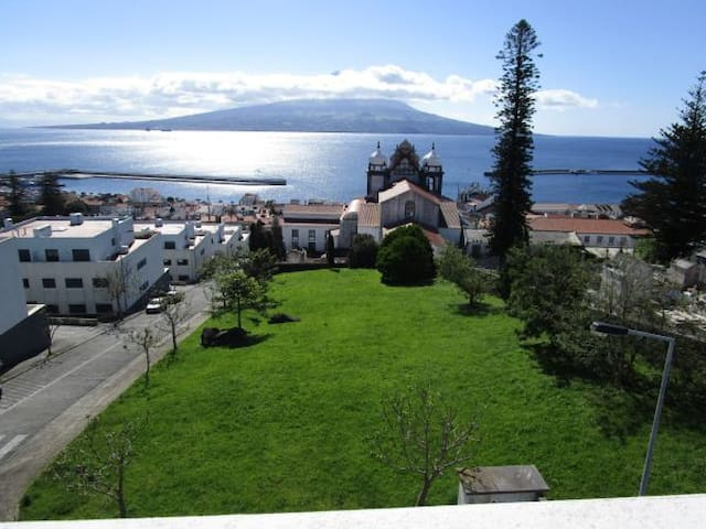 Stunning sea view and large veranda - Horta - Appartement