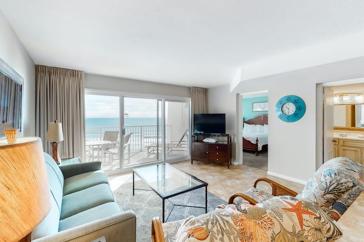 Fifth-floor Gulf front Condo w/Ocean Views, Free WiFi, Shared Pool, Tennis, Gym