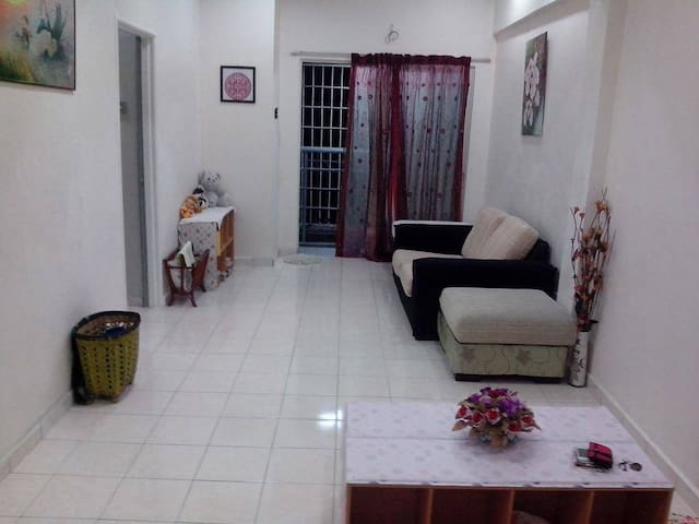 Apartment near to UPM/IOI City Mall - Seri Kembangan - Apartment