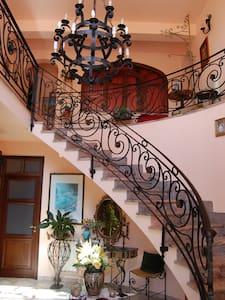 camera in affresco naturale - Cinisi - Inap sarapan