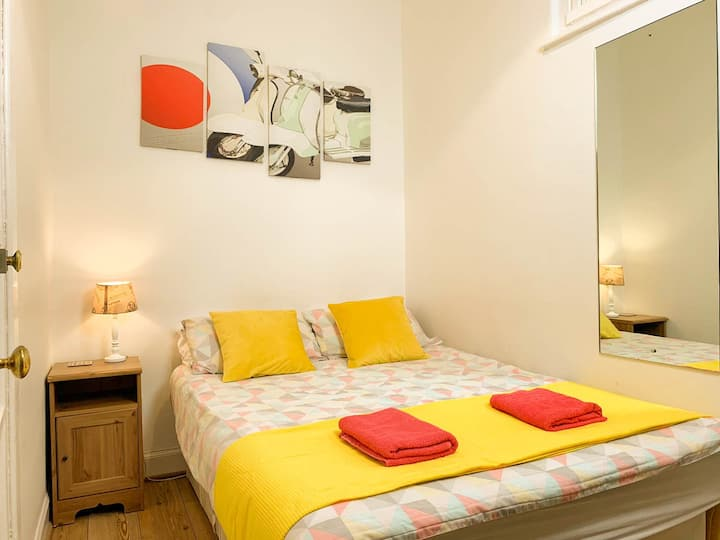 Cosy & Central Room in Haymarket ★4000+ Reviews