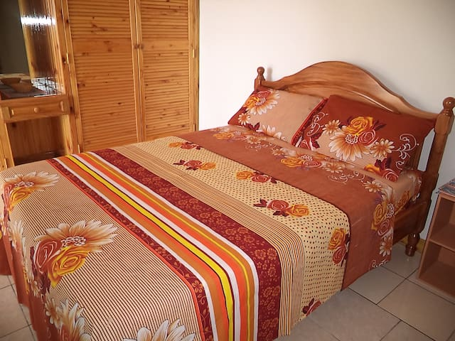 Exclusive Self-Catering Apartment - Victoria - Departamento