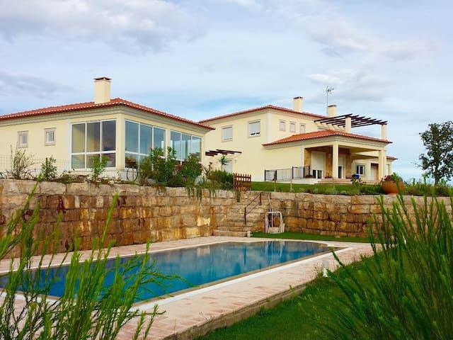 Villa Quintino véritable havre de paix - Alcanede - วิลล่า
