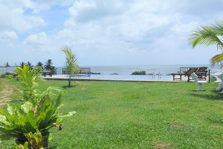 ananthaya beach - Tangalla