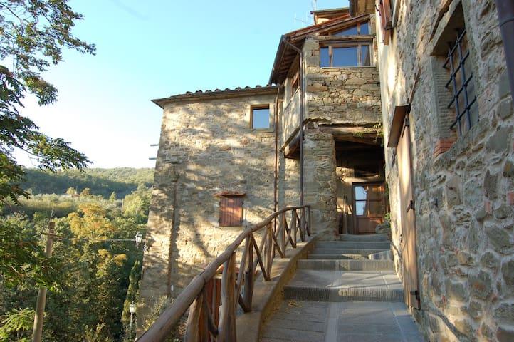 Il Grottino, LA LUNA NEL POZZO