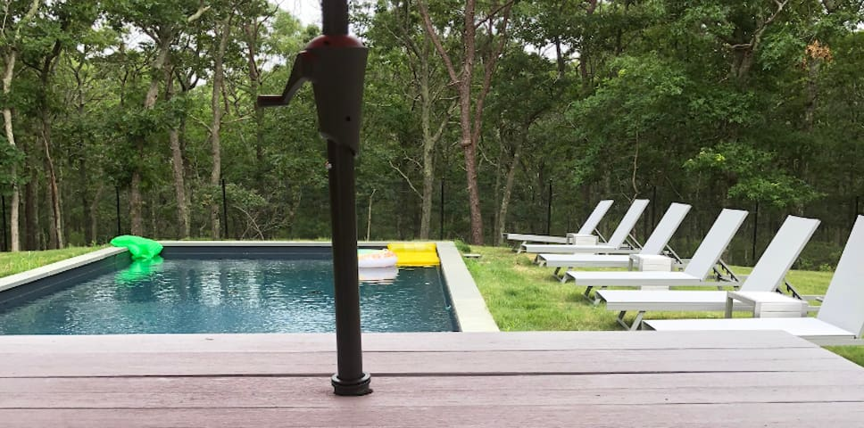 Chic East Hampton hideaway - fireplace and pool!
