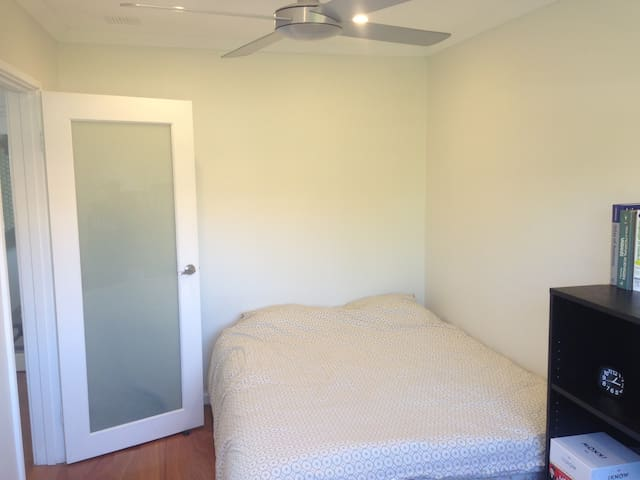 Modern apartment on the Swan River - East Fremantle - Appartement