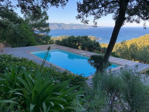 Villa with stunning view over Lavandou Bay