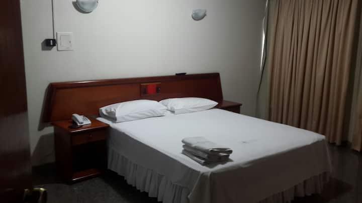 SUITE CASAL HOTEL AVALON EXCELENTE LOCALIZAÇÃO