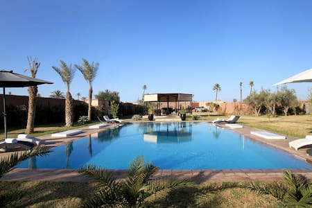 Top 20 marrakesh villa and bungalow rentals airbnb for Airbnb marrakech