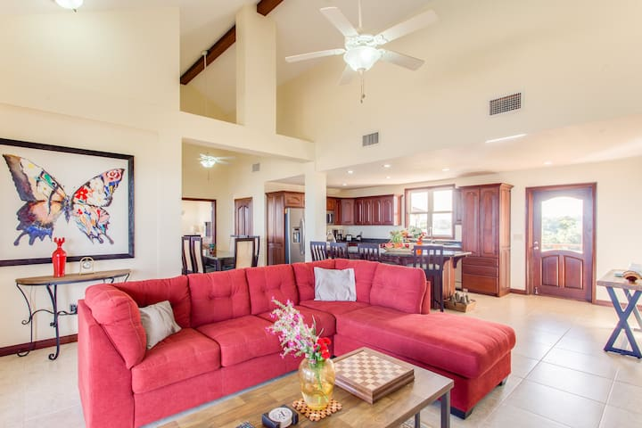 3 Bed 3.5 Bath Luxury Penthouse Condo, Belize