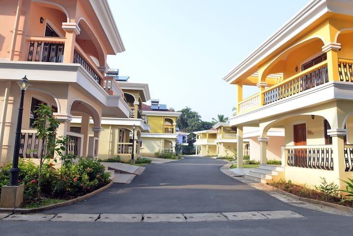 TT Costa Holidays 3 Bedroom Villa 2