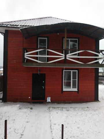 Сдаётся тёплый уютный дом с баней.