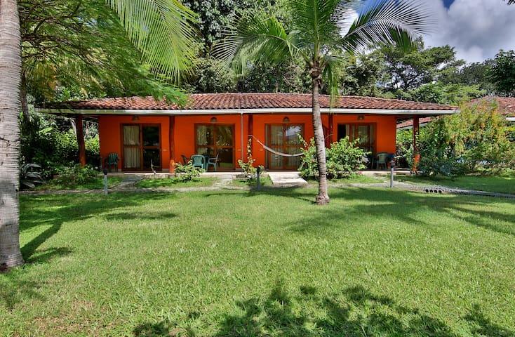 Bahia Esmeralda, Apartamento #16